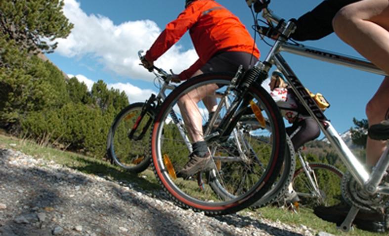 Itinerari mountain bike altopiano di asiago giro delle malghe for Offerte weekend asiago